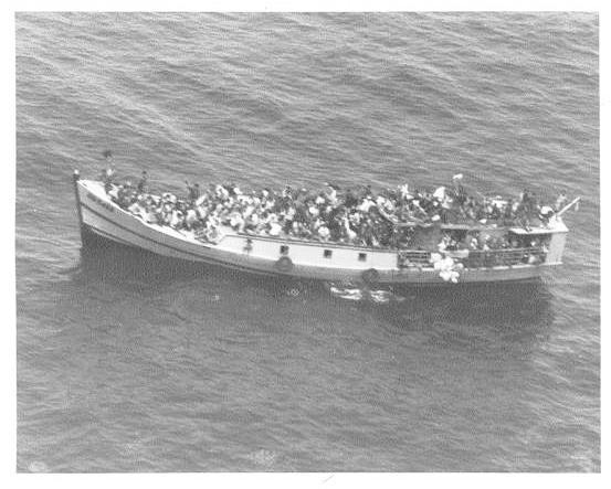 A picture named 2ndRefugeeBoat.jpg